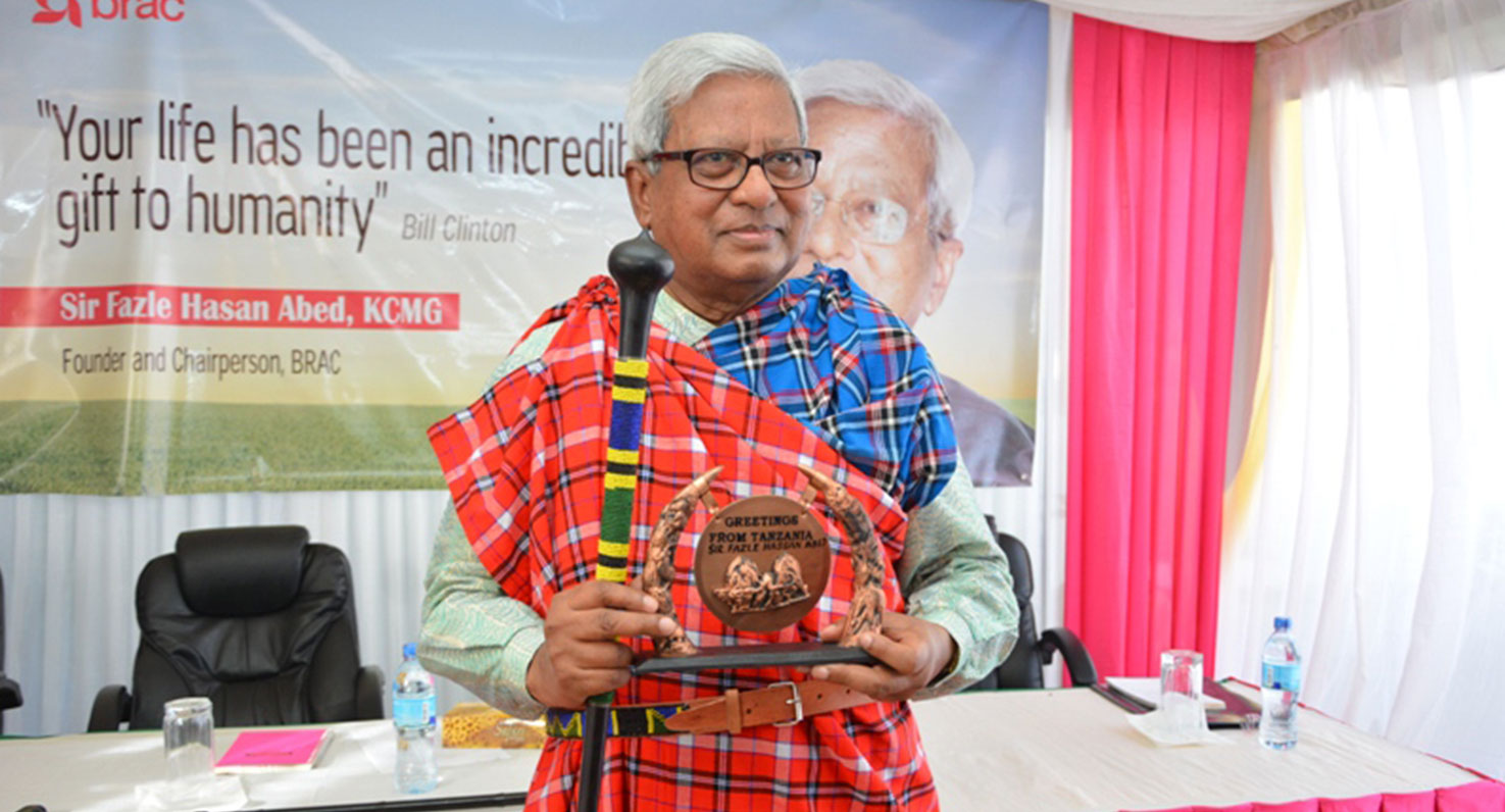 Sir-Fazle-in-Tanzania-massai