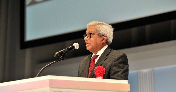 Sir Fazle at the 60th anniversary of Kumon